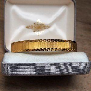 Shiny Chunky & Wide Etched Monet Bangle Bracelet